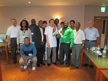モザンビークの医療技師学校教員の研修受入